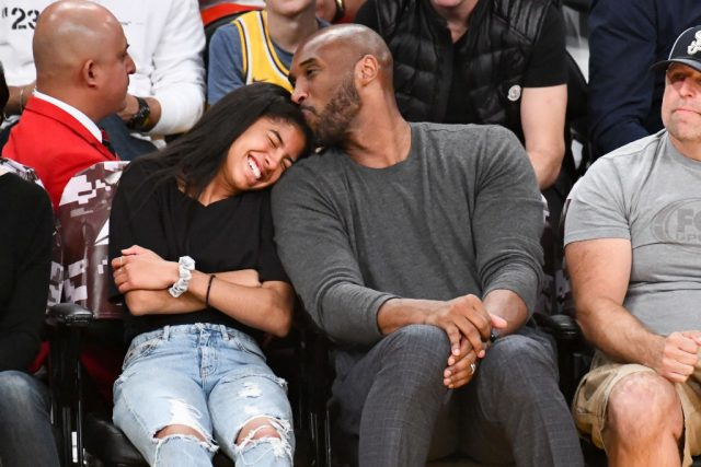 Kobe+with+his+daughter%2C+courtside%2C+at+a+Los+Angeles+Lakers+and+Atlanta+Hawks+NBA+game.+