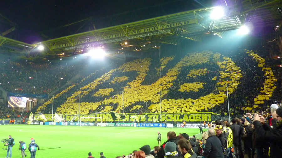 Borussia+Dortmund%27s+%22yellow+wall%2C%22++one+of+the+most+electrifying++fan+atmospheres+in+Europe.