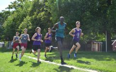 Makuei Lueth taking the lead at Cottonwood Complex pre-region meet.
