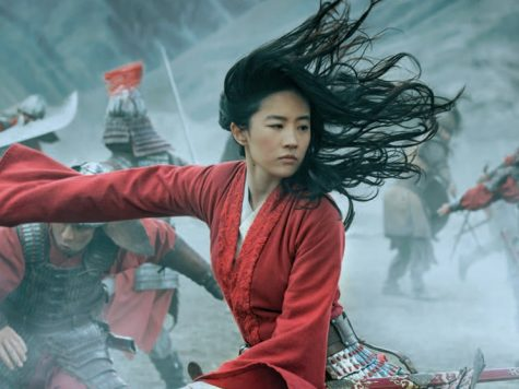 Mulan in the middle of a battle between the Hans and soldiers.